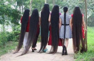 People With Ridiculously Long Hair (30 photos) 10