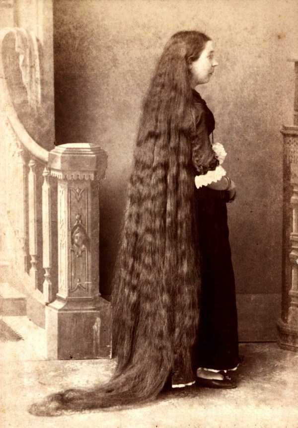 people-with-long-hair (16)