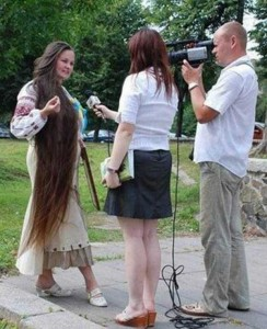 People With Ridiculously Long Hair (30 photos) 21