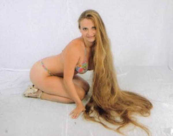 people-with-long-hair (23)