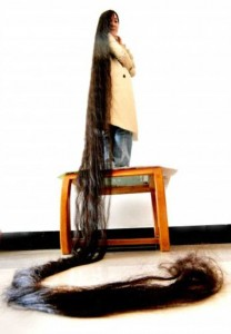 People With Ridiculously Long Hair (30 photos) 24