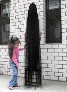 People With Ridiculously Long Hair (30 photos) 26