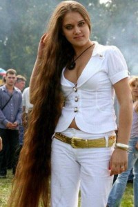 People With Ridiculously Long Hair (30 photos) 29
