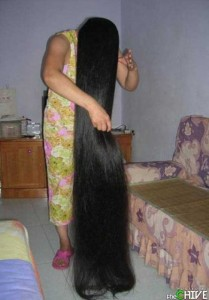 People With Ridiculously Long Hair (30 photos) 8