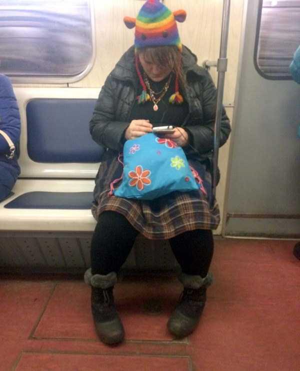 russian-subway-fashion-freaks (30)
