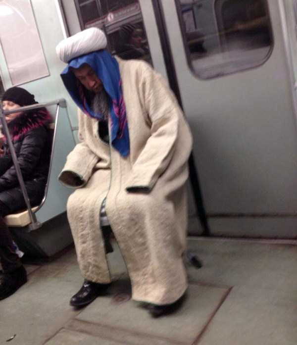 russian-subway-fashion-freaks (32)