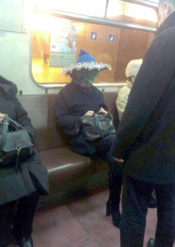 russian-subway-fashion-freaks (34)