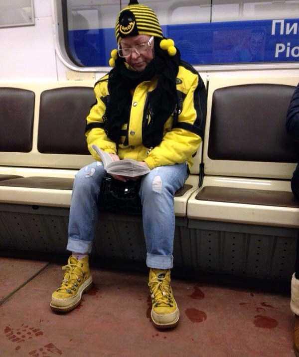 russian-subway-fashion-freaks (37)
