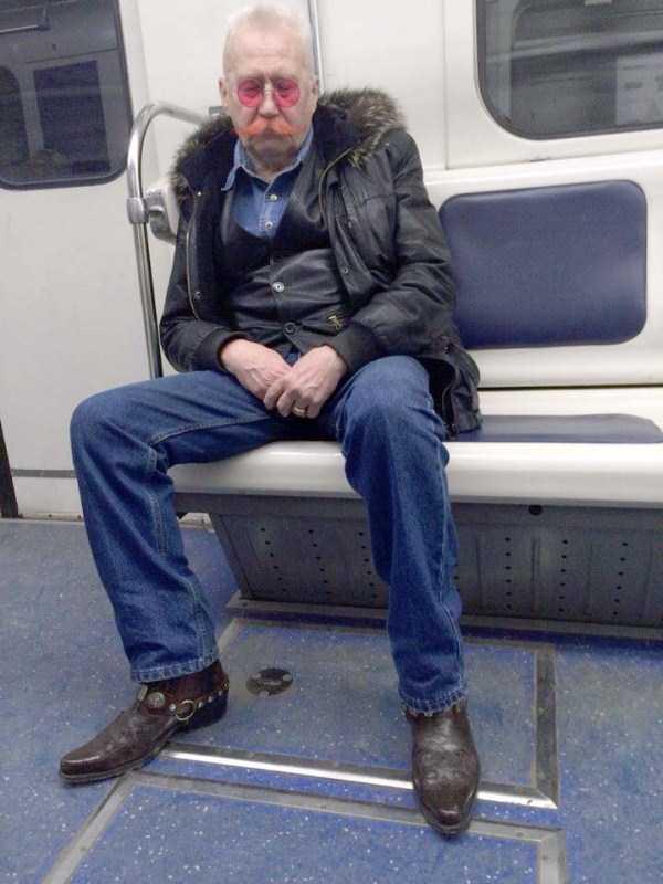russian-subway-fashion-freaks (42)