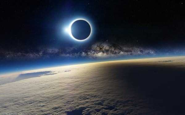 watching-the-solar-eclipse (41)