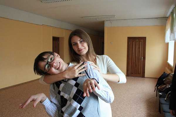 Yuliya-Dmitrieva-sexy-high-school-teacher (12)