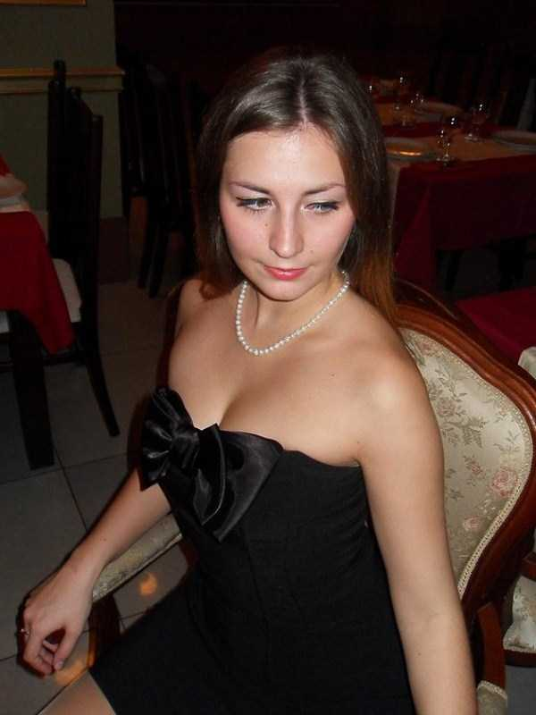 Yuliya-Dmitrieva-sexy-high-school-teacher (2)