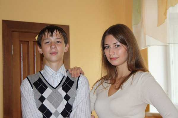 Yuliya-Dmitrieva-sexy-high-school-teacher (28)