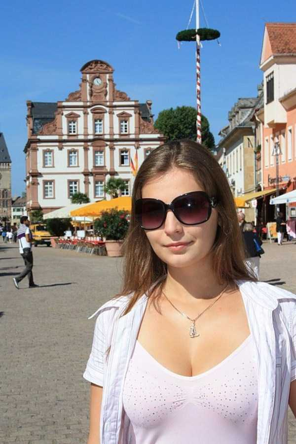 Yuliya-Dmitrieva-sexy-high-school-teacher (30)