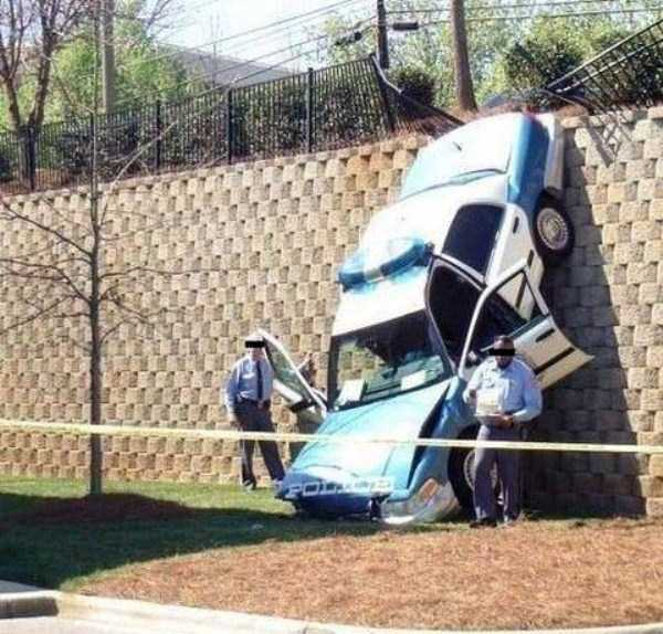 cars-in-bizarre-situations (41)