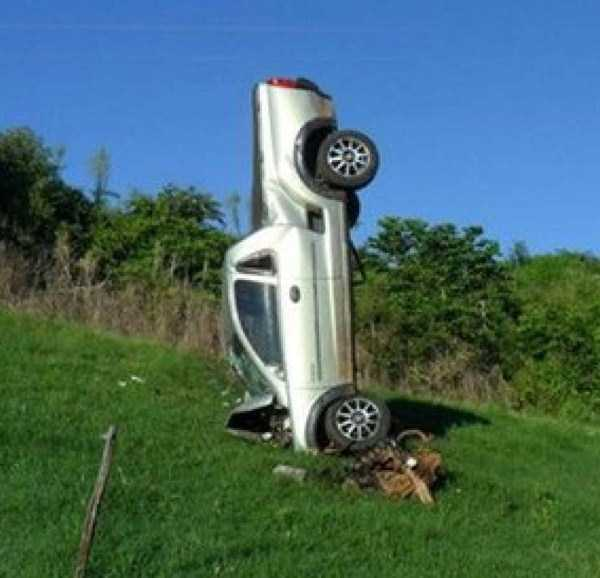 cars-in-bizarre-situations (45)
