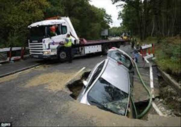 cars-in-bizarre-situations (7)