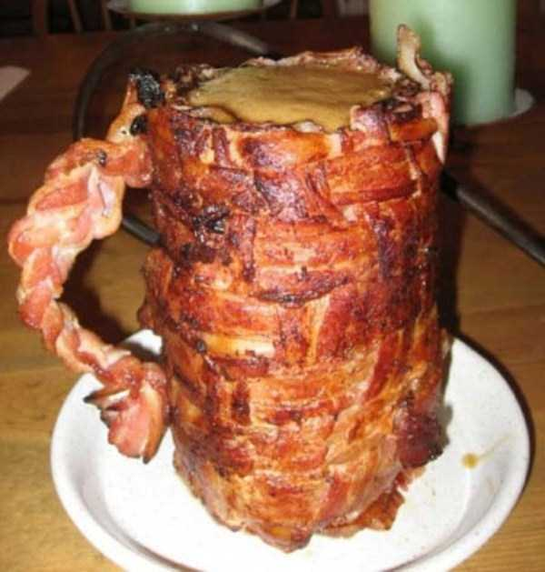 crazy-things-made-out-of-bacon (13)
