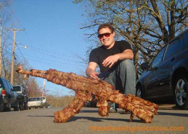 crazy-things-made-out-of-bacon (25)