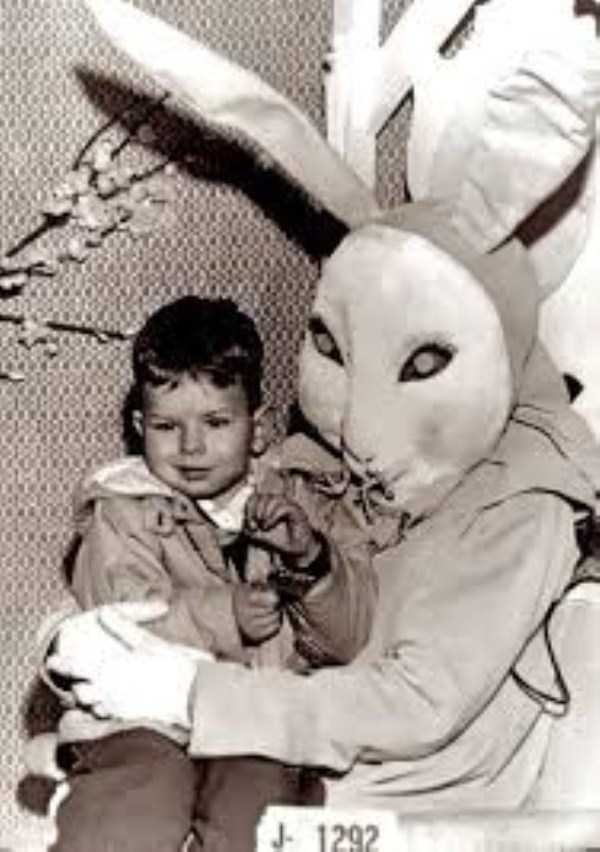 creepy-and-weird-easter-bunnies (3)