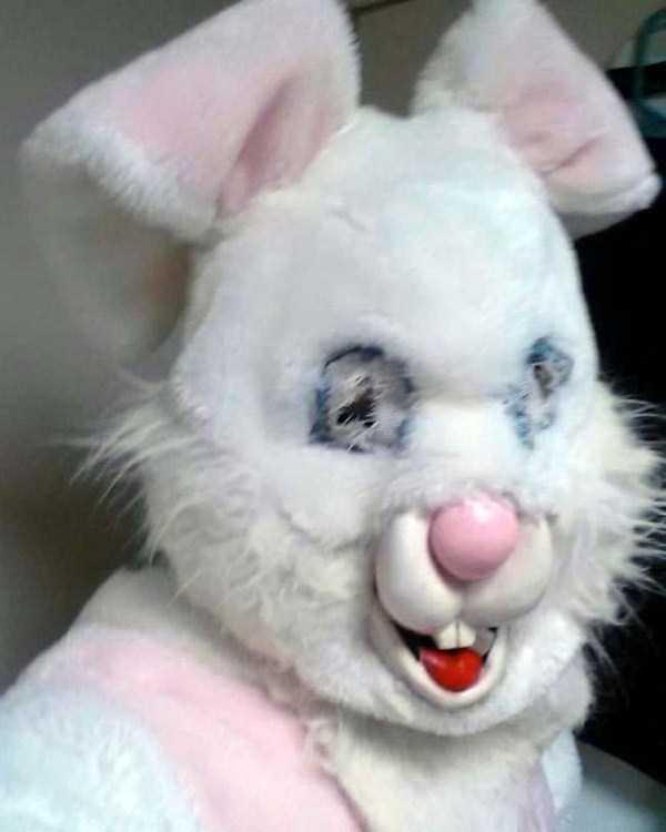 creepy-and-weird-easter-bunnies (9)