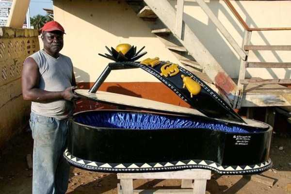 fantasy-coffins-from-ghana (2)