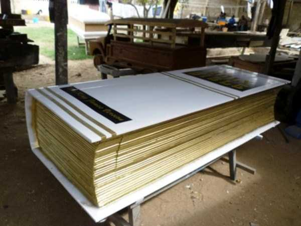 fantasy-coffins-from-ghana (27)