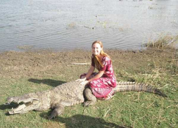 humans-and-crocodiles-live-together (6)