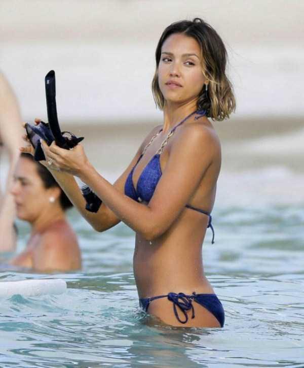 jessica-alba-in-bikini (2)