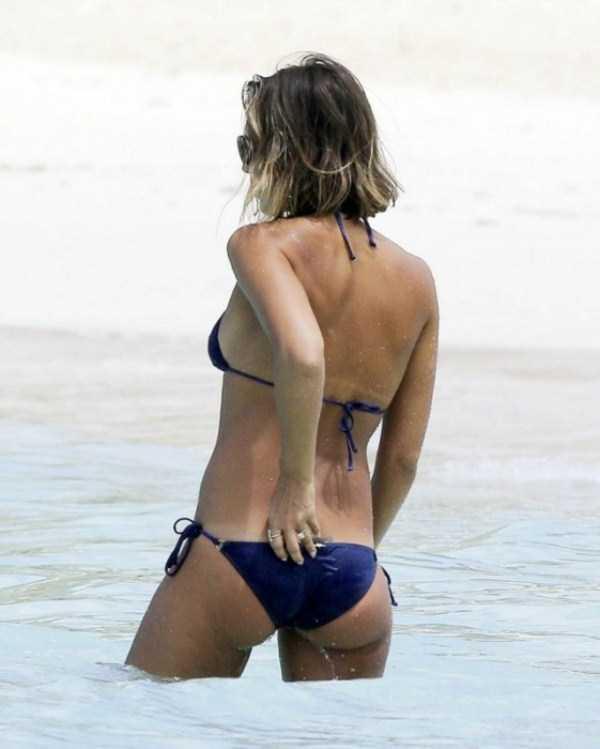 jessica-alba-in-bikini (4)
