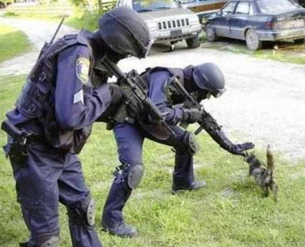 police-officers-are-humans (27)