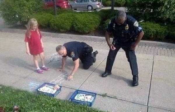 police-officers-are-humans (30)