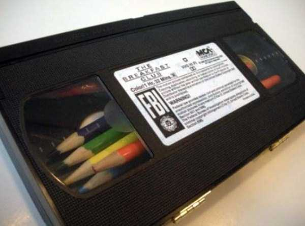 repurposed-vhs-and-audio-cassette-tapes (14)