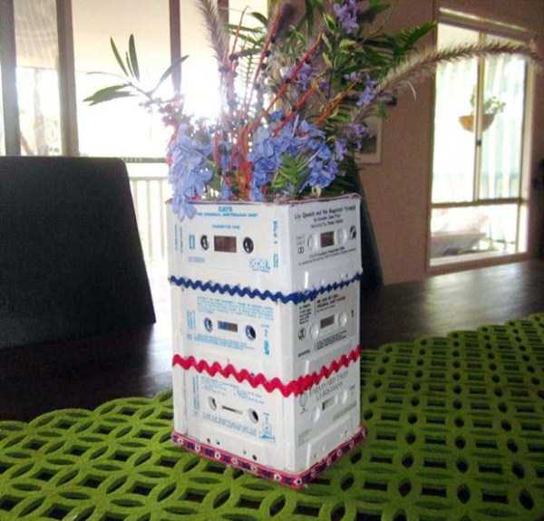 repurposed-vhs-and-audio-cassette-tapes (15)