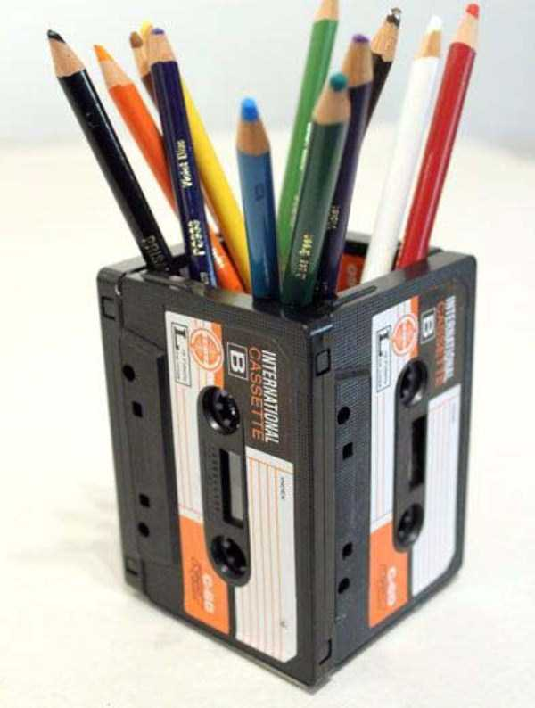 repurposed-vhs-and-audio-cassette-tapes (28)