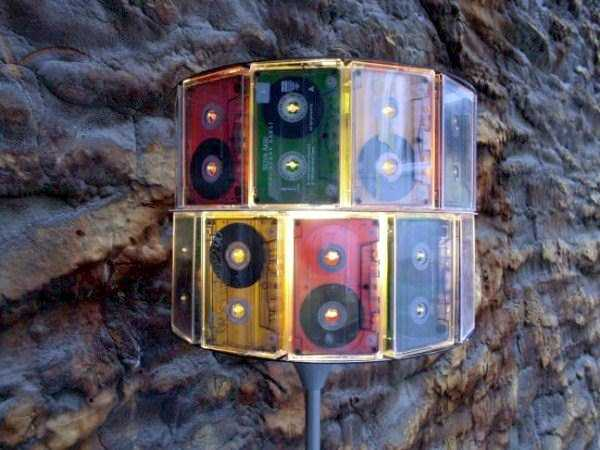 repurposed-vhs-and-audio-cassette-tapes (29)