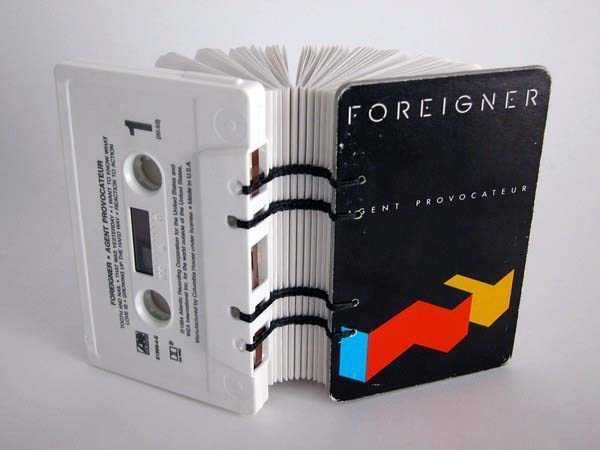 repurposed-vhs-and-audio-cassette-tapes (3)