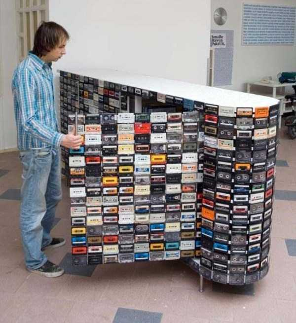 repurposed-vhs-and-audio-cassette-tapes (6)
