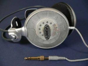 The Coolest Looking Headphones and Earbuds (40 photos) 7