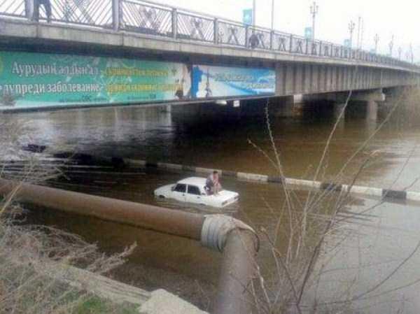bizarre-road-accidents (12)