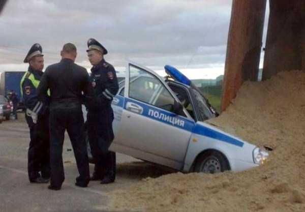 bizarre-road-accidents (16)