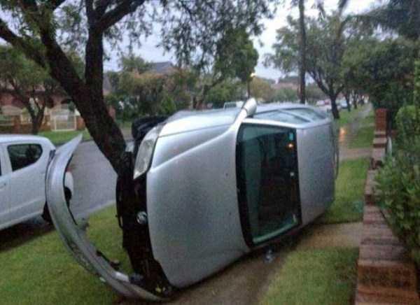 bizarre-road-accidents (17)