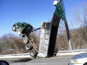 Insane Truck Accidents (37 photos) 1