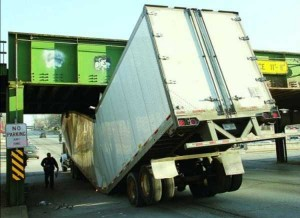 Insane Truck Accidents (37 photos) 12