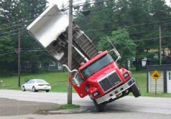 crazy-truck-crashes (2)