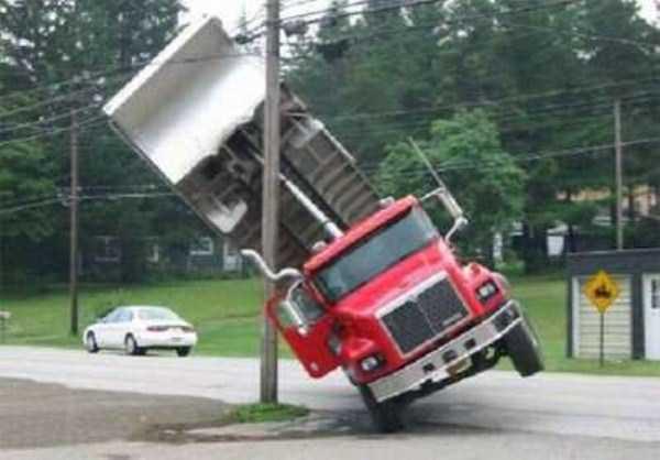 crazy-truck-crashes (2)