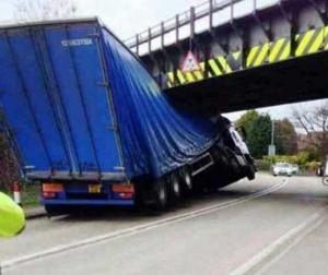 Insane Truck Accidents (37 photos) 8