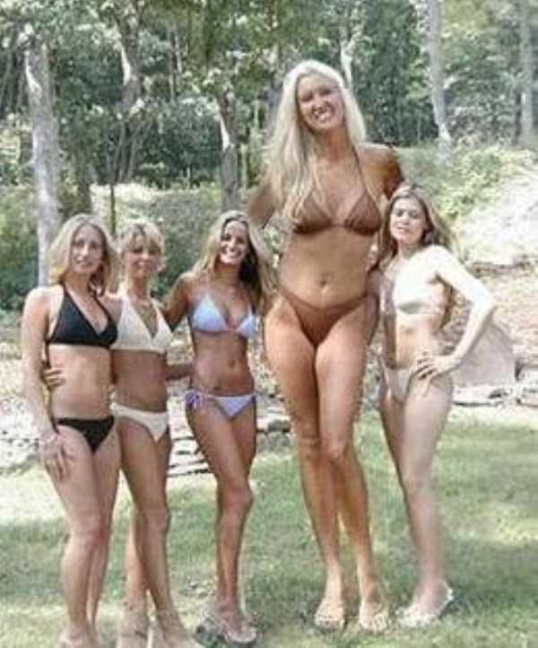 extremely-tall-women (11)