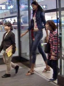 Very Very Tall Women (36 photos) 15