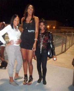 Very Very Tall Women (36 photos) 21